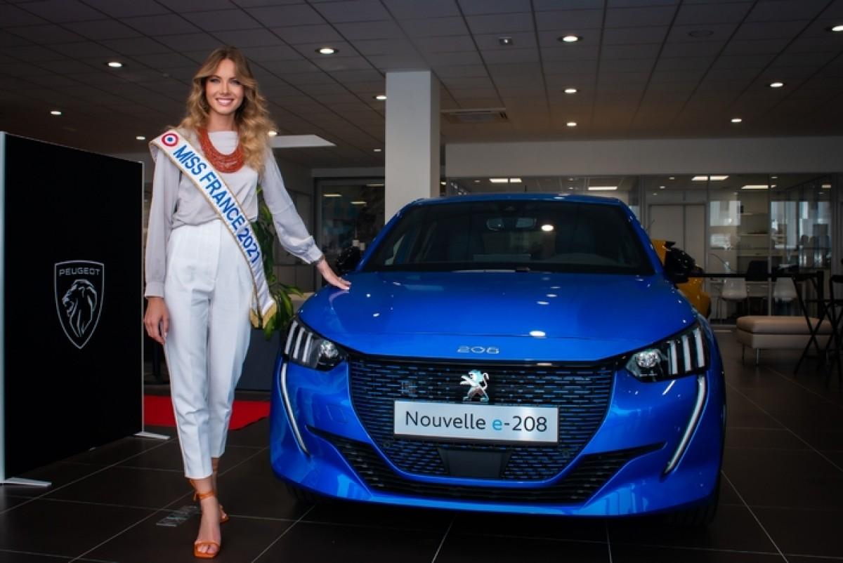 Miss France 2021 a reçu sa Peugeot 208 électrique
